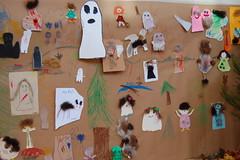 Peikkoja ja kummituksia (Vantaan kaupunginkirjasto) Tags: ghost vantaa askartelu kummitus pointinkirjasto tottatarua2009 pointlibrary children´sliteratureevent