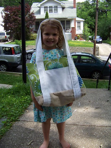 Q5  is a bag holder