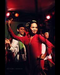 Betawi Dance (khaniv13) Tags: show festival indonesia dance nikon traditional performance tourist exhibition jakarta destination iso1600 highiso betawi jalanjaksa stagen d40x afs35mmf18 khaniv13 jaksastreet