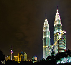 Petronas Twin Towers (tlchua99) Tags: city building night high fantastic shot awesome petronas towers scene lookup malaysia stunning fujifilm twintowers tall kualalumpur kl hdr klcc picturenaut s100fs doubledragonawards saariysqualitypictures tlchua