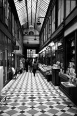 oxa820b (Photeo) Tags: street blackandwhite bw paris film 35mm gallery galeries streetphotography olympus bn galleries xa galleria olympusxa parigi gallerie kodak400tx autaut