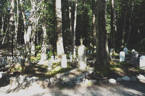 Graves at Gold Rush Cemetery