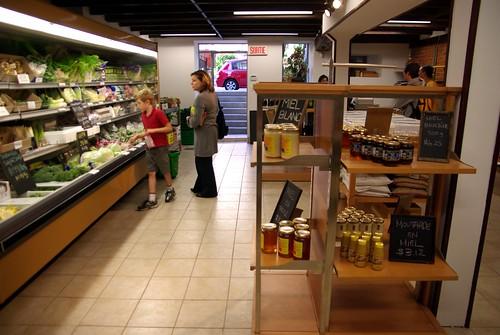L'autre choix, mini marché, 330A avenue Victoria