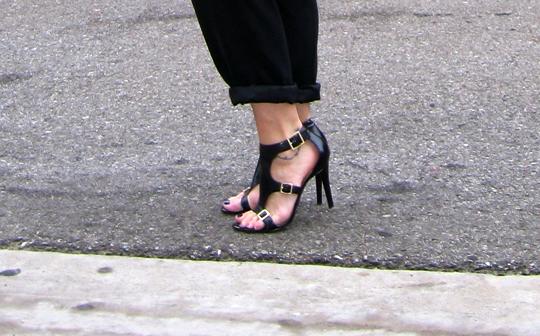 guess-buckle-heels