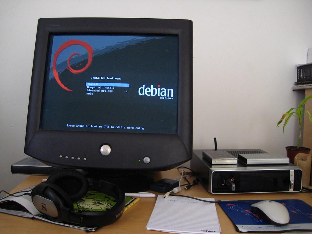 Installing Debian on Shu
