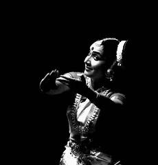 mohiniyattom, dr neena prasad @ kalamandalam (Arayil) Tags: kerala classicaldance kalamandalam mohiniyattom koothambalam arayil cheruthuruthy neenaprasad