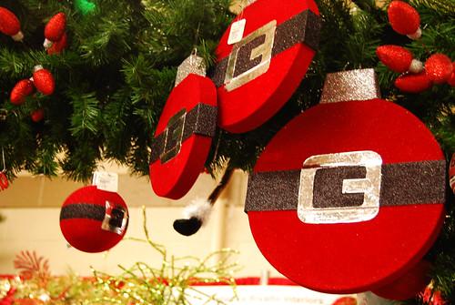 Santa_Ornaments[2009]