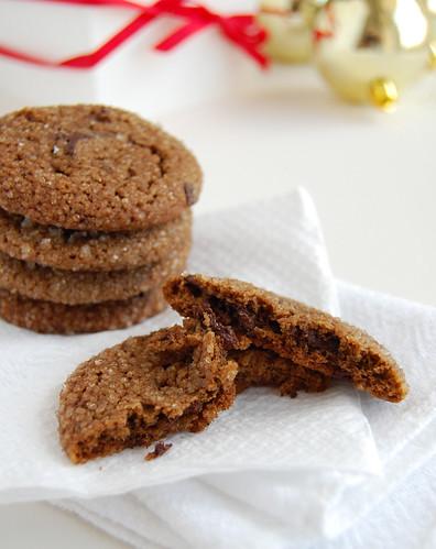 Chewy chocolate gingerbread cookies / Cookies de pão de mel