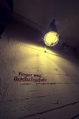 Finger weg! (blog.jmc.bz) Tags: geotagged deutschland hamburg hauptbahnhof bunker hachmannplatz happyshooting abcschutzraum unterhamburgev hshthh20100207