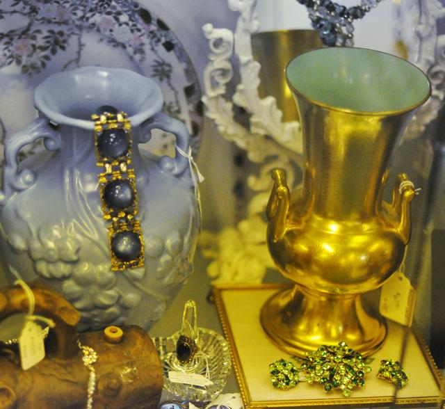 antique rhinestone jewelry