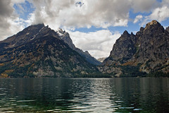 Jenny Lake (bhophotos - not for much longer) Tags: trip travel autumn vacation usa lake mountains nature water landscape geotagged nikon canyon wyoming tetons jacksonhole grandtetonnationalpark d300 jennylake cascadecanyon gtnp 2470mmf28g