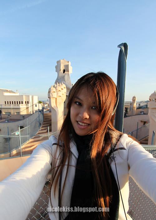 me on top of casa mila