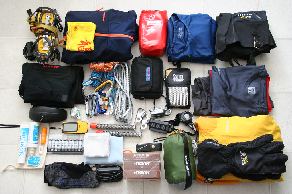 My backpack: trekking gear for the Monte Rosa trekking