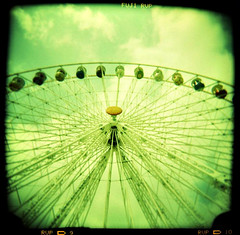 Ferris Wheel (xpunklovex) Tags: paris green 120 wheel square holga lomo xpro lomography cross du mai velvia processing 50 processed 2009 foire roue trne traitement crois