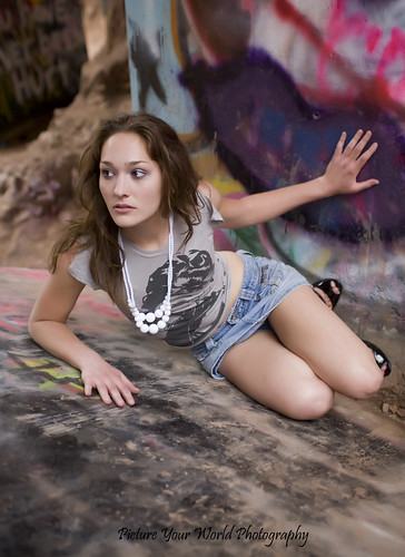 Alyssa: Graffiti Falls