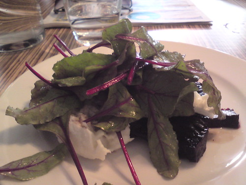 L'Office: Beet salad with mozzarella
