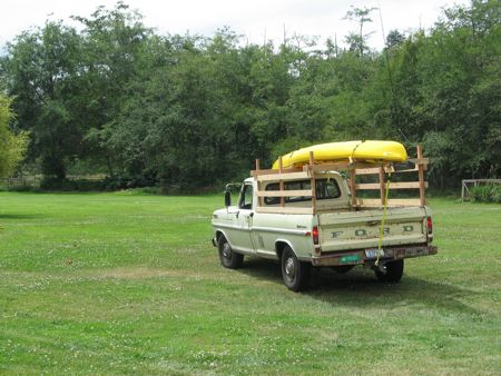 1970 Ford pick-up w/kayak
