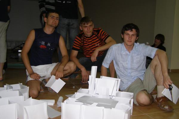 Севастополь закладывает бумажный фундамент Вавилонской башни