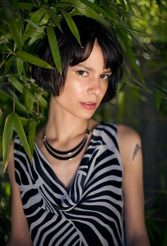 フリー画像| 人物写真| 女性ポートレイト| 白人女性| 黒髪| ドレス|      フリー素材|