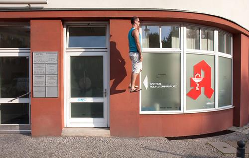 street berlin germany floating levitation sidewalk float levitate