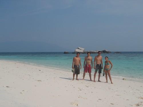 Playa blanca en Coral Island
