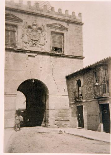 Puerta de Bisagra a principios del siglo XX