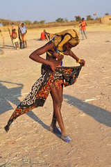 wind at the market (luca.gargano) Tags: africa travel woman women village wind market traditional tribes afrika tribe villagers huila angola gargano lucagargano mumuhuilas mumuhila