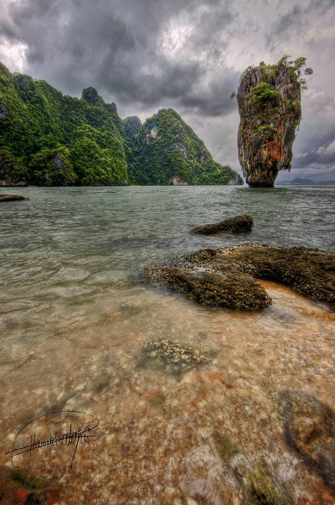 James Bond Island..