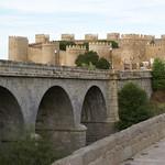 Avila: Puente sobre le Río Adaja y Murallas