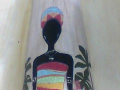 Senegaleza..em telha (A cor do acaso) Tags: artesanato lindo gato coruja mascara decora decorao acrilico telha africanas