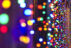 Take me down.. to Bokeh Town! (Kc Jacoby Photography LLC) Tags: christmas pentax bokeh michigan 50mm14 christmaslights rochester leds downtownrochester k10d pentaxk10d kcjacoby expdet121209