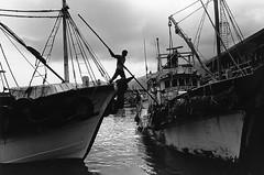 離岸-2008-宜蘭大溪漁港.jpg