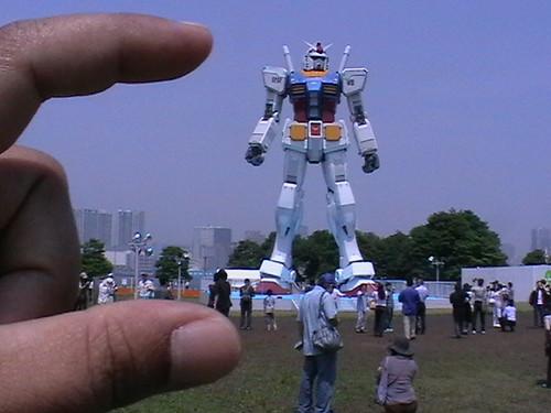 Gundam-kecik je Gundam ni he he he