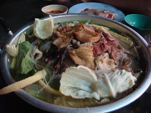 Hot Pan Mae Nam