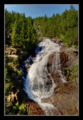 Salt d'aigua (Crossa) Tags: fall hospital d50 nikon sigma 1020mm pyrénées cascada pirineo pirineu valledebenasque posetsmaladeta valldebenasc ballbenás