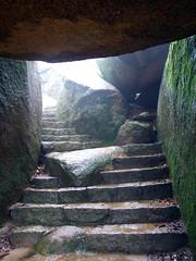 Leading to enlightenment (LeelooDallas) Tags: sky japan stairs landscape island temple shrine asia fuji dana hiroshima miyajima finepix s9500 2009 iwachow