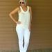 white tank white skinny jeans white chucks white sunglasses