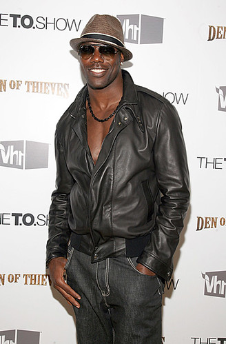 terrell owens girlfriend 2011. Terrell Owens and