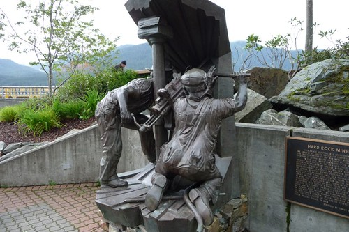 Statue dedicated to miners