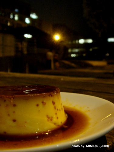 自家焦糖布丁,夜晚野餐