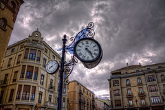How's the weather doing?  Qu hace el tiempo? Len (Spain) HDR (marcp_dmoz) Tags: sky espaa clock clouds canon eos spain map himmel wolken nubes reflejo reloj nublado len spiegelung tone hdr spanien uhr castillaylen rflection bewlkt photomatix 50d tonemapped tonemapping zifferblatt parcialmentenublado hdrcreativeshots partiallycloded