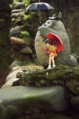 COMINICA | My Neighbor Totoro | Totoro, Mei and Satsuki (mutatedFROGGY) Tags: bus stop totoro mei satsuki dx cominica