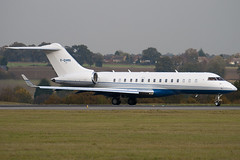 F-GVMV - 9202 - Private - Bombardier BD-700-1A10 Global Express XRS - Luton - 091029 - Steven Gray - IMG_3069