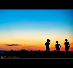 Sunset (Liem.Tran) Tags: sunset photography vietnamese photographer streetlife run travle hue indochina faster 2011 daylife vietnamtravel huephotography streetlifephotography liemtran imperialhuecity asiaunique