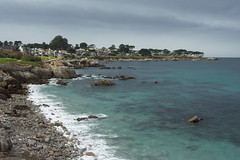 Monterey Bay (mehgrmlhmpf) Tags: cliff montereybay water pacificgrove california unitedstates