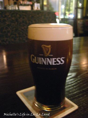 The Auld Dubliner- I luv Guinness!