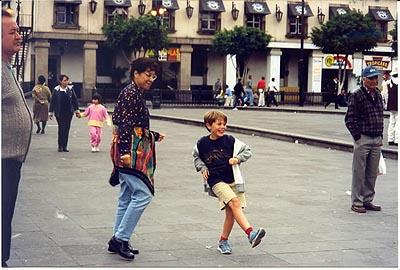 danse sur la place Garibaldi il y a six ans.jpg