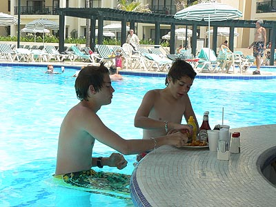 dans la piscine ....jpg