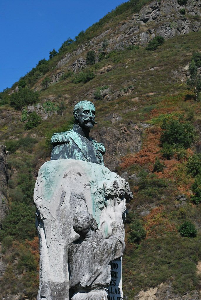Estatua del II Marqués de Comillas en Bustiello - Foto cedida por Carmen Alonso