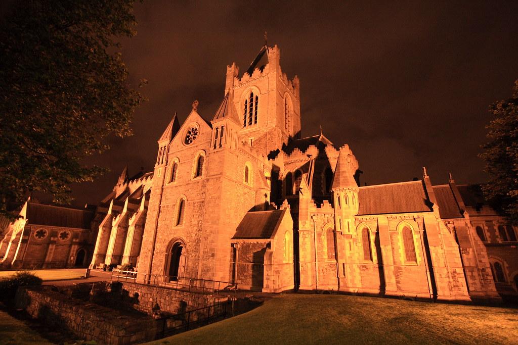 Catedral al anochecer
